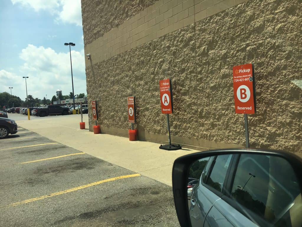 parking spaces at walmart grocery pickup service