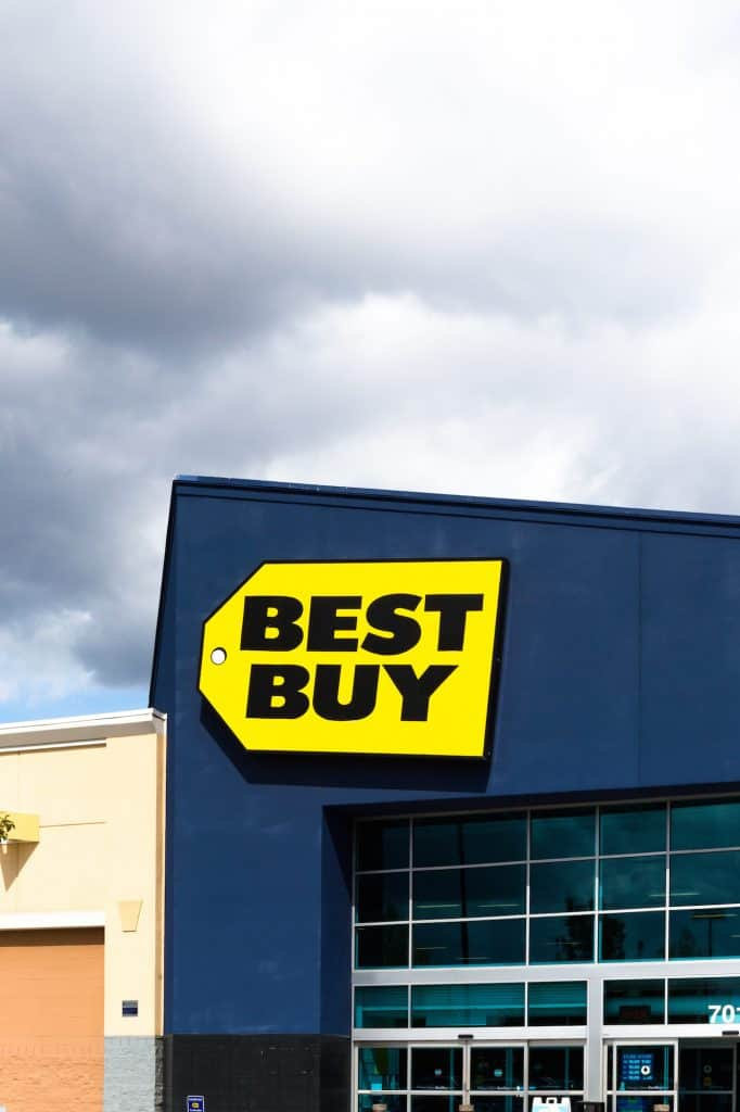 picture of best buy store which offers bespay online pick up in store